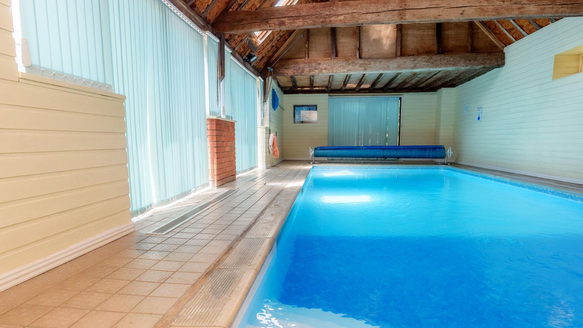 Kingfisher Barn Swimming Pool Abingdon Oxfordshire