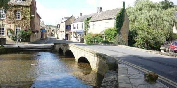 Bourton on the water Bridge